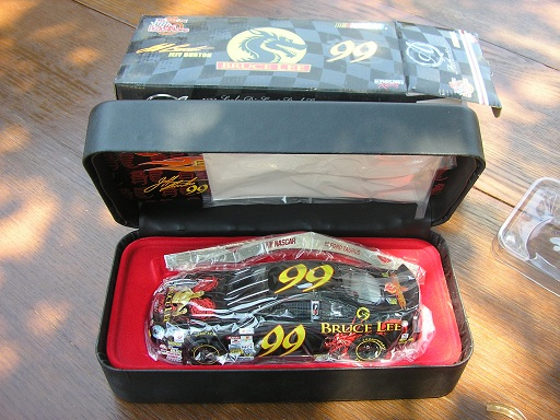 Jeff Burton Bruce Lee Authentics #99 1998 Taurus 1/24