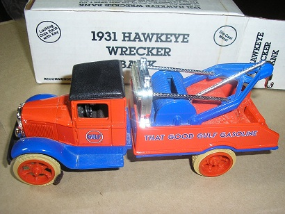 Gulf 1931 Hawkeye Wrecker Bank by Ertl