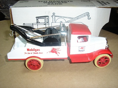 Mobil 1931 Hawkeye Wrecker Bank by Ertl #2127