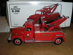 "Phillips ""66"" 1957 International R-200 Tow Truck 19-1580"