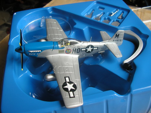 "P-51D ""Petie 2nd"" by Corgi (aa32204}"