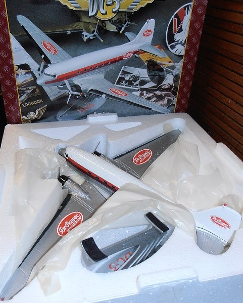 Dr. Pepper DC-3 by Ertl F482 1/72 scale
