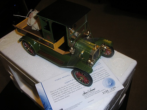 Ford Model T Christmas Truck 1199/2500