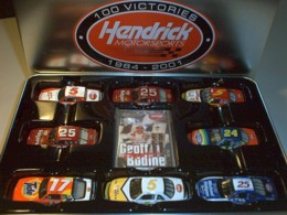 Hendrick Racing 100 Wins 1/64 Action